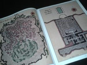 Il manualetto di 16 pagine con le mappe per la campagna è separato dal resto per una agevole consultazione durante le sessioni di gioco ed è interamente a colori